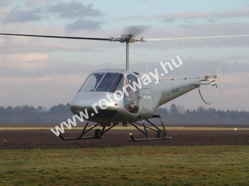 enstrom taxiing