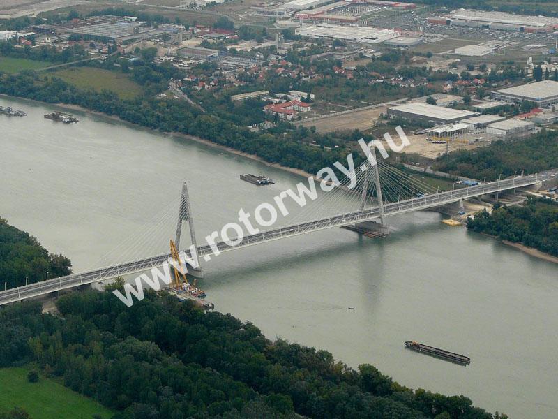 A megyeri híd